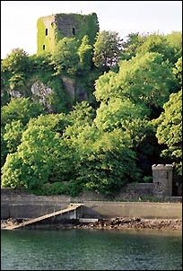 photo of Dunollie Castle